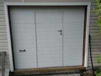 Гаражные подъёмно-секционные ворота DoorHan RSD02 в Стрельне