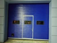 Промышленные подъёмно-секционные ворота DoorHan ISD01 в Киришах