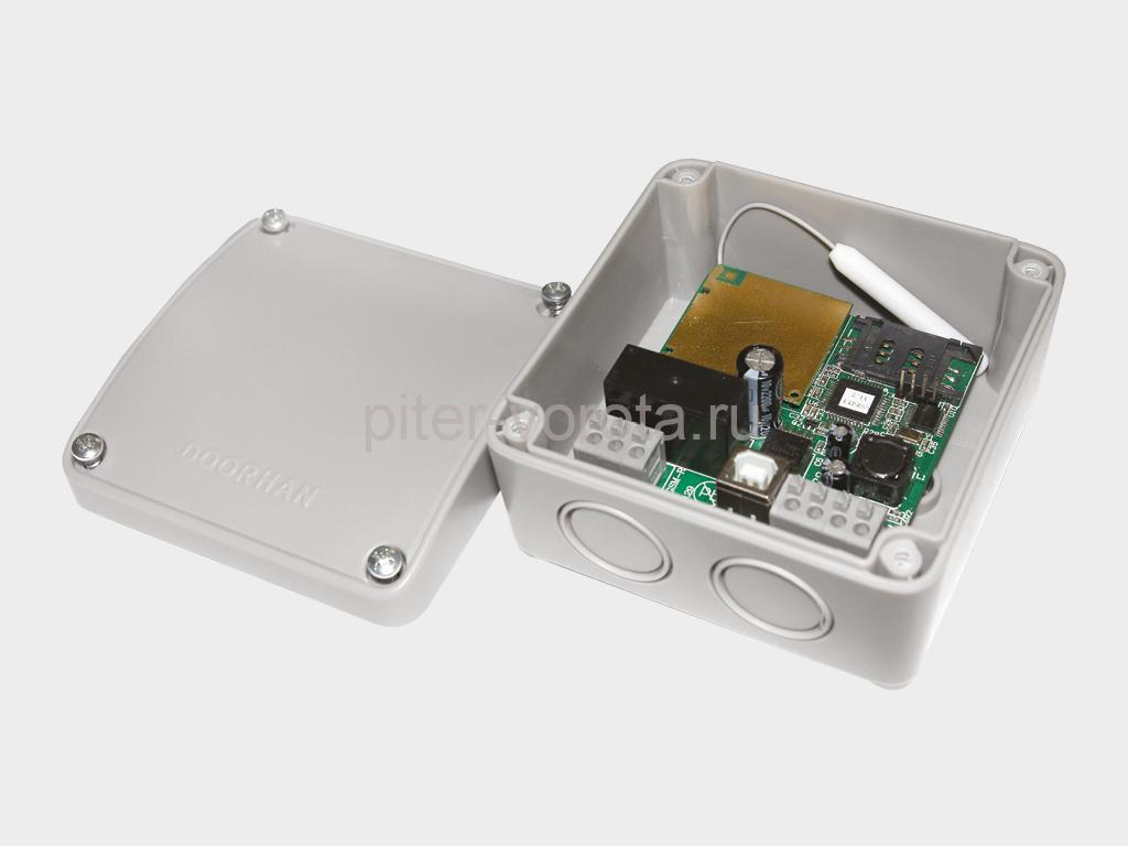 Блок группового управления GC2/GC4. GC2 для управления двумя приводами с одного выключателя; блок GC4 — для управления четырьмя приводами