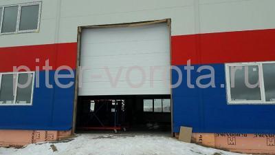 Промышленные подъёмно-секционные ворота в Новосаратовке