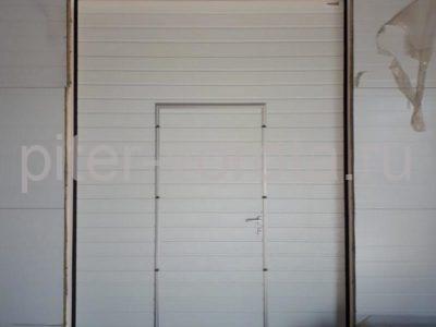 Промышленные подъёмно-секционные ворота Alutech Protrend в Лаголово, фото 1