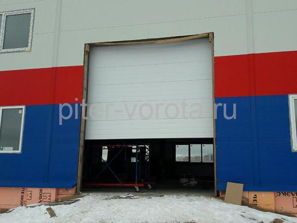 Гаражные подъёмно-секционные ворота в Новосаратовке
