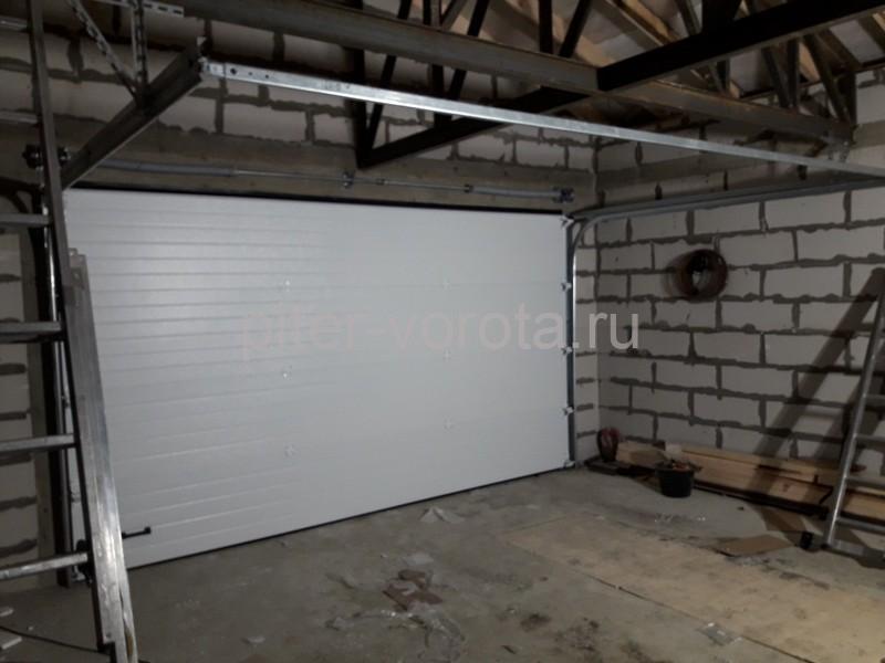 Гаражные подъёмно-секционные ворота DoorHan RSD02 в д. Волковицы