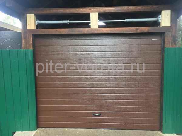 Гаражные подъёмно-секционные ворота в Парголово