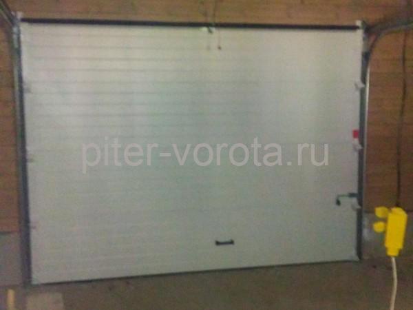 Гаражные подъёмно-секционные ворота DoorHan RSD01 в Семиозерье